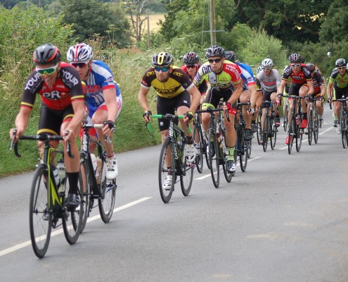 Esser in second wheel at the end of an intermediate lap