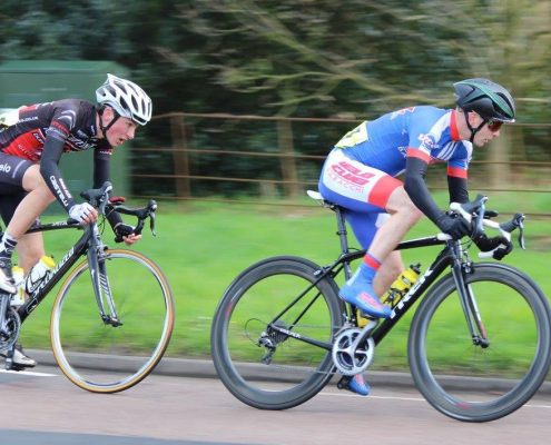 Richards leads Toms at Somerleyton (photo: Dominic Austrin)